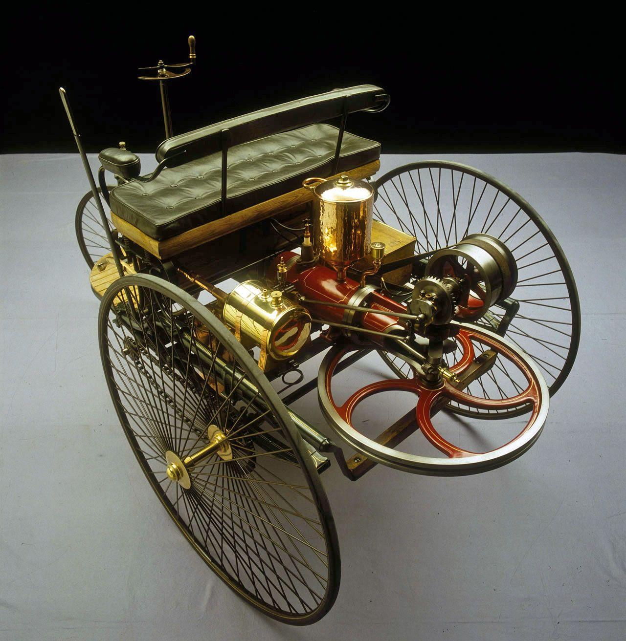 1885 Benz Patent Motorwagen ===> https://de.pinterest.com/gdaven ...
