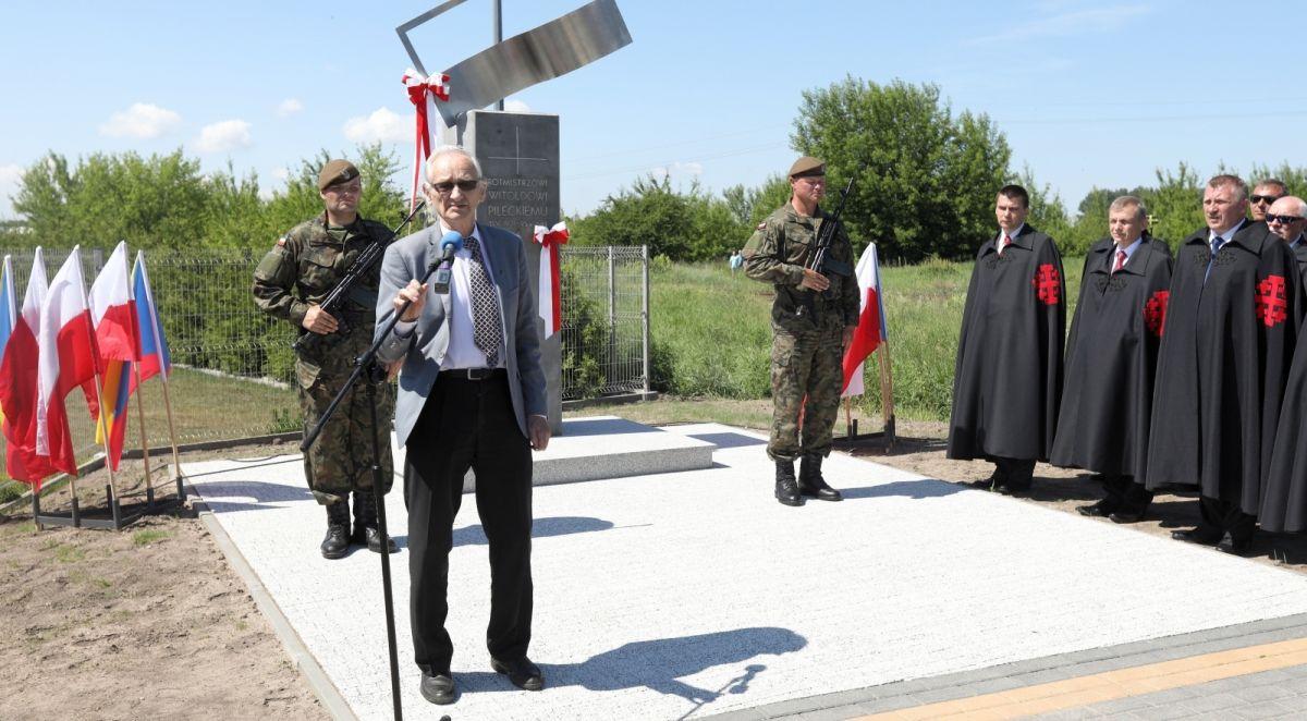 Łomża: odsłonięto obelisk upamiętniający rtm. Witolda ...