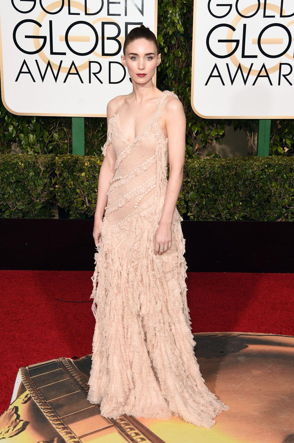 Rooney Mara en Alexander McQueen. | Los 14 mejores vestidos de los Golden Globes 2016