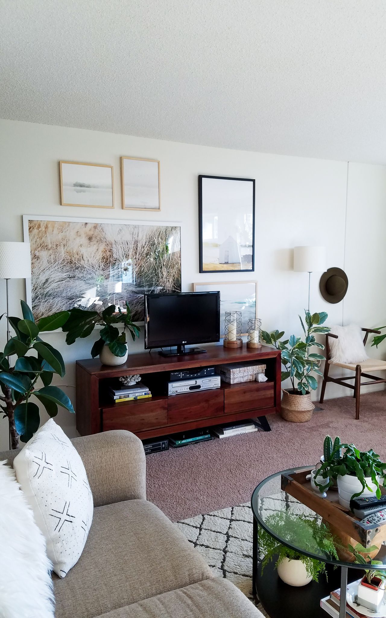 Trending lounge renovations june 2018 small apartments house plants decorating kitchen