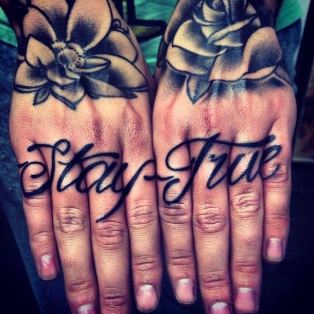 Tattoo Hand Blumen Mit Schrift Tattoospiercings I Love