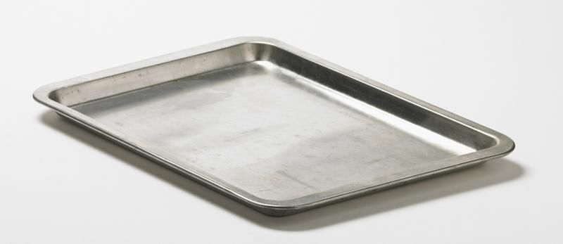 How to Remove Baked-On Grease From a Cookie Sheet