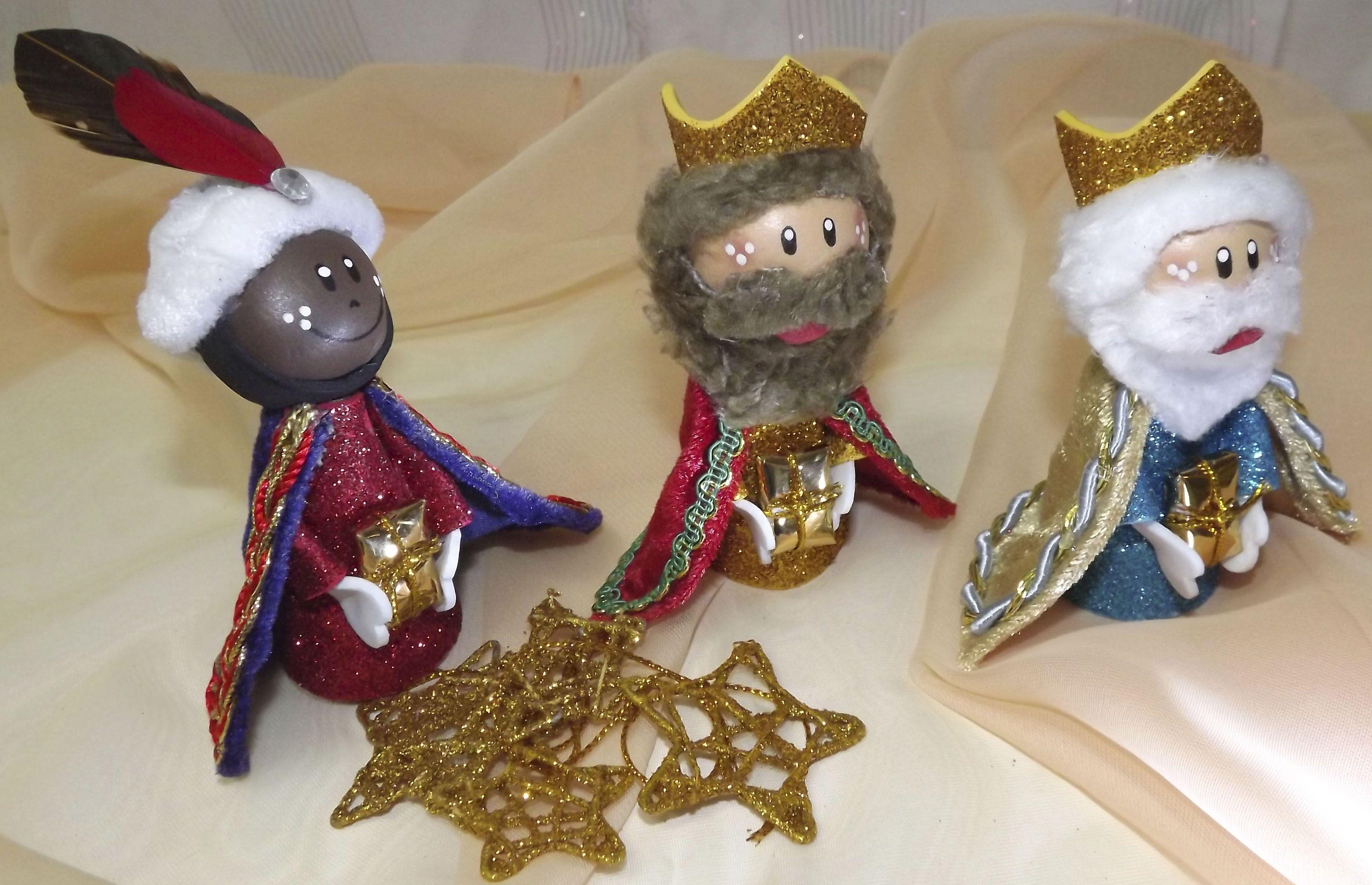 Los Tres Reyes Magos Hechos A Mano Con Goma Eva Precioso Regalo Para Los Niños Que Les Encantará Jugar Con Ellos Descúbr Atividades Bíblicas Infantil Infantil