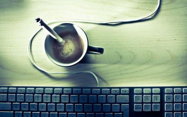 Java è fallato: vulnerabilità 0-day appena scoperta, meglio disabilitarlo sui browser Una nuova vulnerabilità affligge, in ambito web, questa volta il celebre plugin della Oracle, colpito da una falla che permette l'esecuzione arbitraria di codice sulla macchina infetta. In attesa che