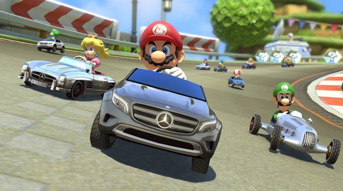 Jump N Drive Mit Dem Mercedes Benz Gla Mario Kart 8 Mario Kart Mercedes Benz Cars