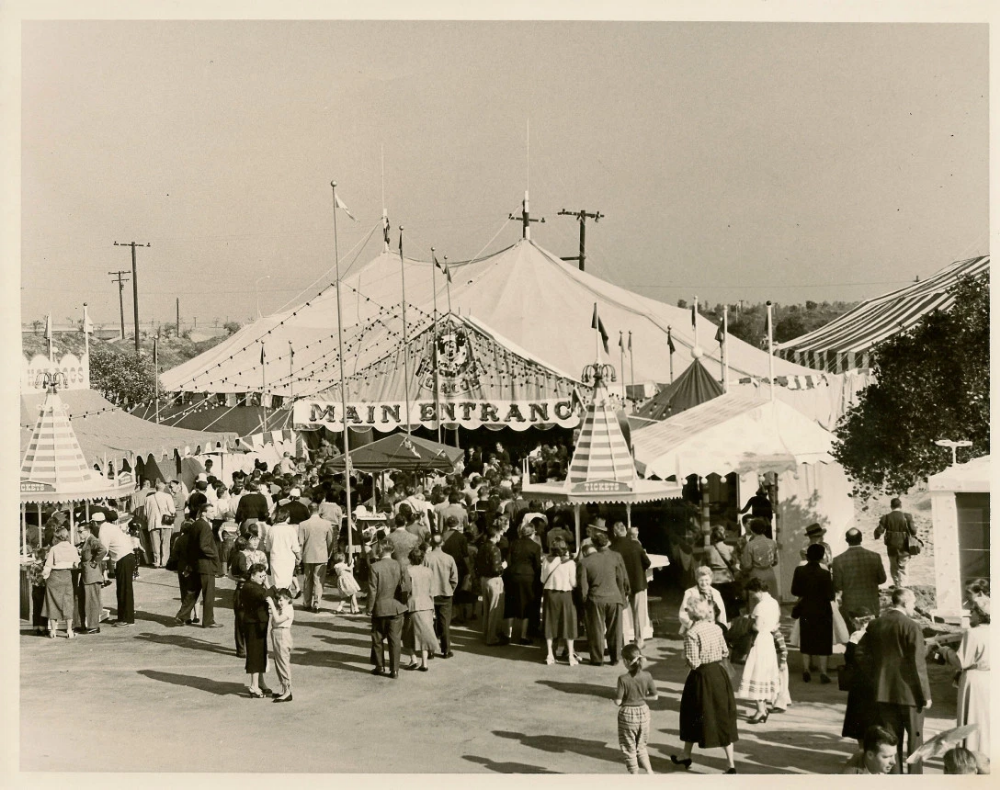 Pin by XXXXXX on The Giant Hoax Circus tent, Circus, Barnum