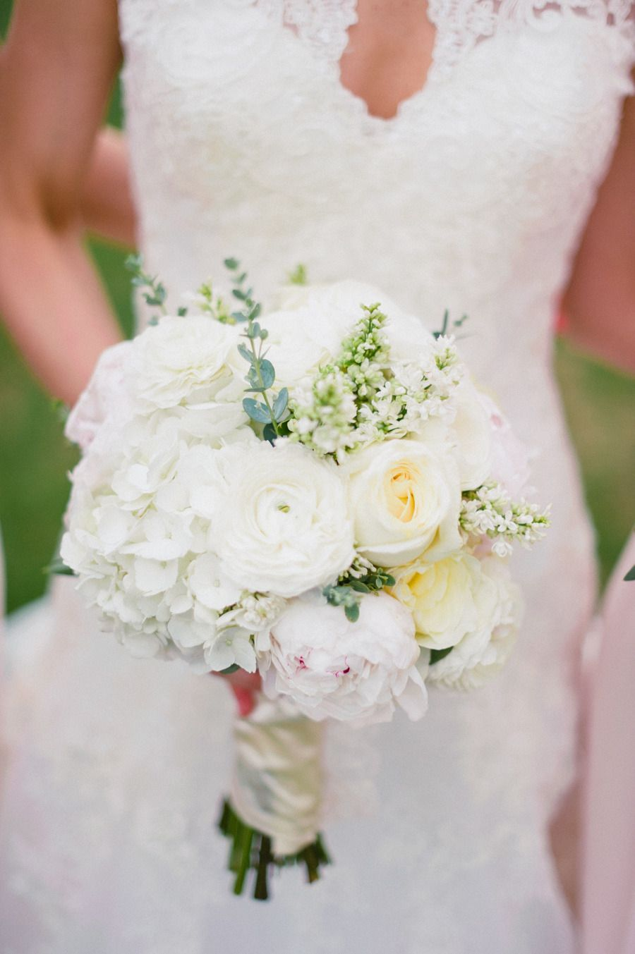 Sioux Falls South Dakota Wedding At Steever House Bed Breakfast Wedding Flower Inspiration Wedding Floral Wedding