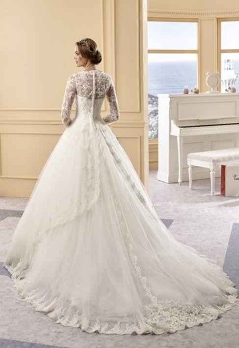 487646ce1f05 Maria Concepcion - abito da sposa invernale