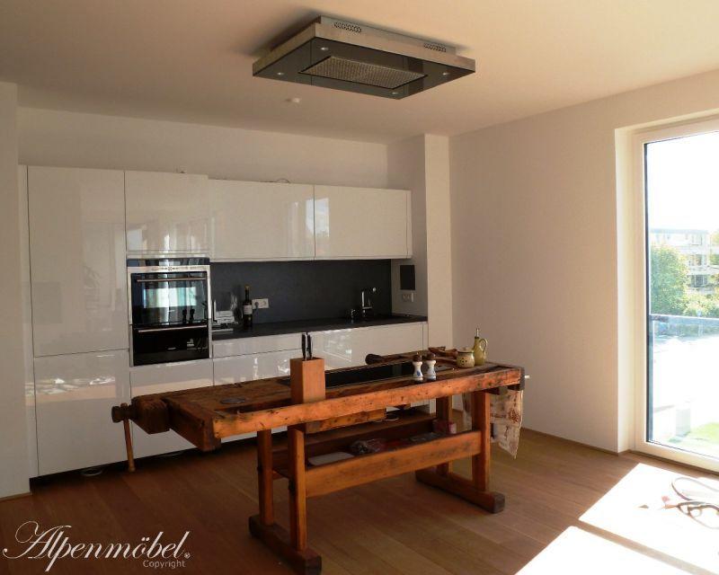 alpenm bel kochinsel von generation zu generation. Black Bedroom Furniture Sets. Home Design Ideas