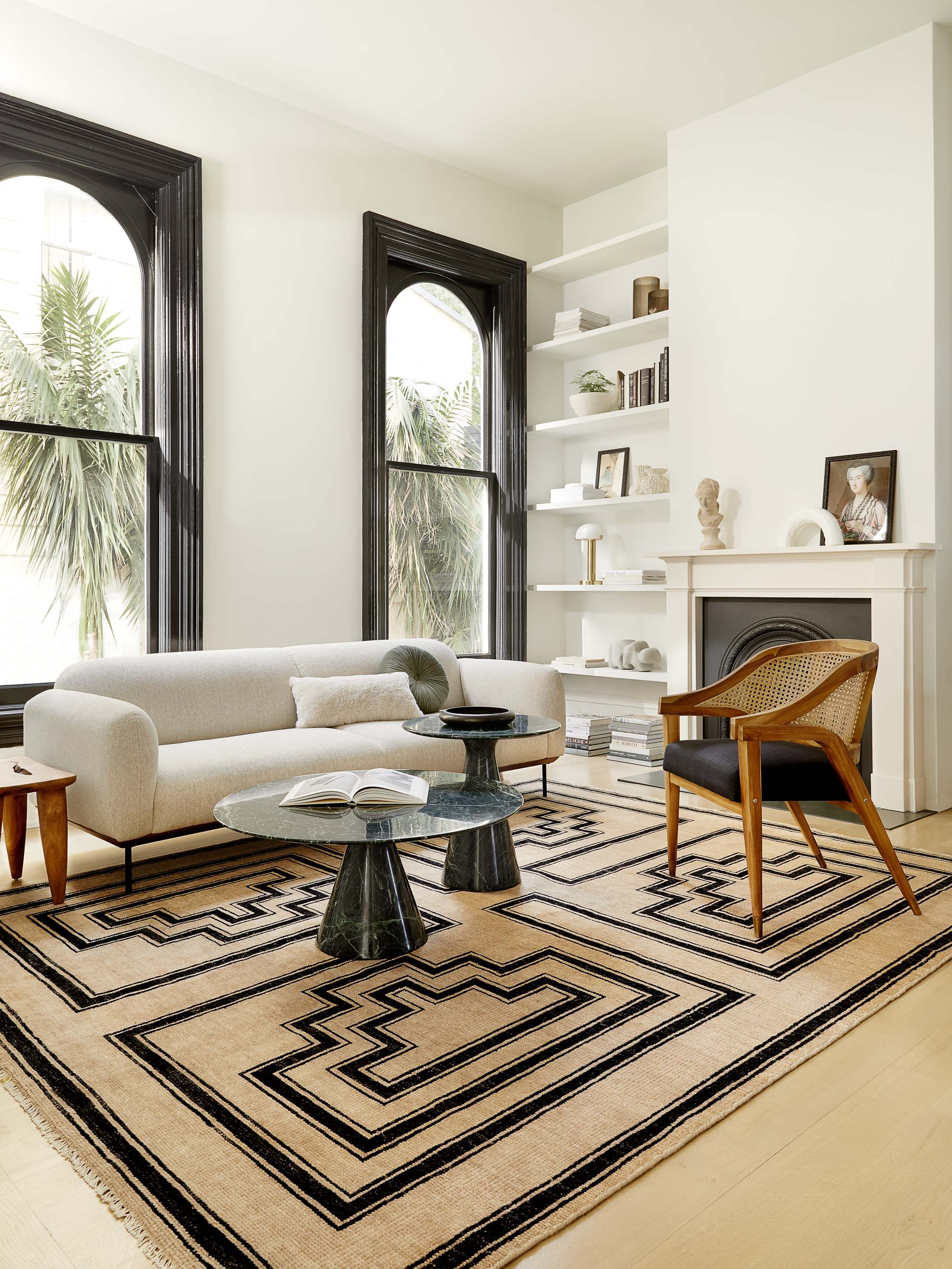 Welcome To The 20s The New Era Of Art Deco Is Here In 2020 Casual Living Rooms Living Room Seating Living Room Designs