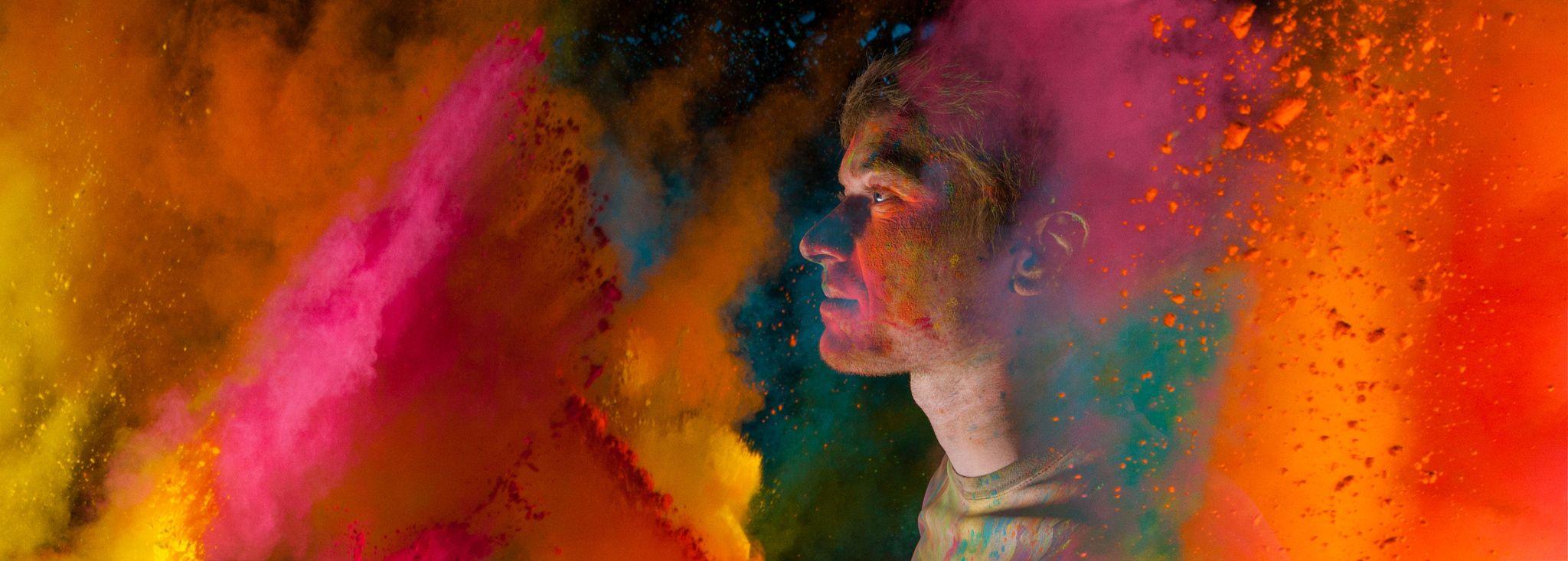 couleur portrait holi poudre panoramique