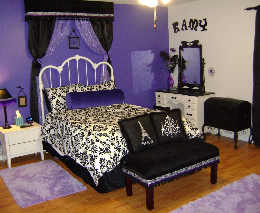Bedrooms for girls purple and white - Cool Purple And White Tween Bedroom Design Ideas With Luxury White Metal Bed Frame That Have Beautiful Bedding Accessories And Corner Bedroom Vanity