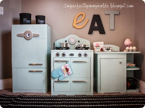 Retro Play Kitchen With All the Bells and Whistles {Pottery Barn ...