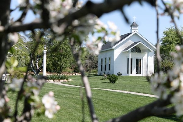 Apple Blossom Chapel And Gardens In Fennville