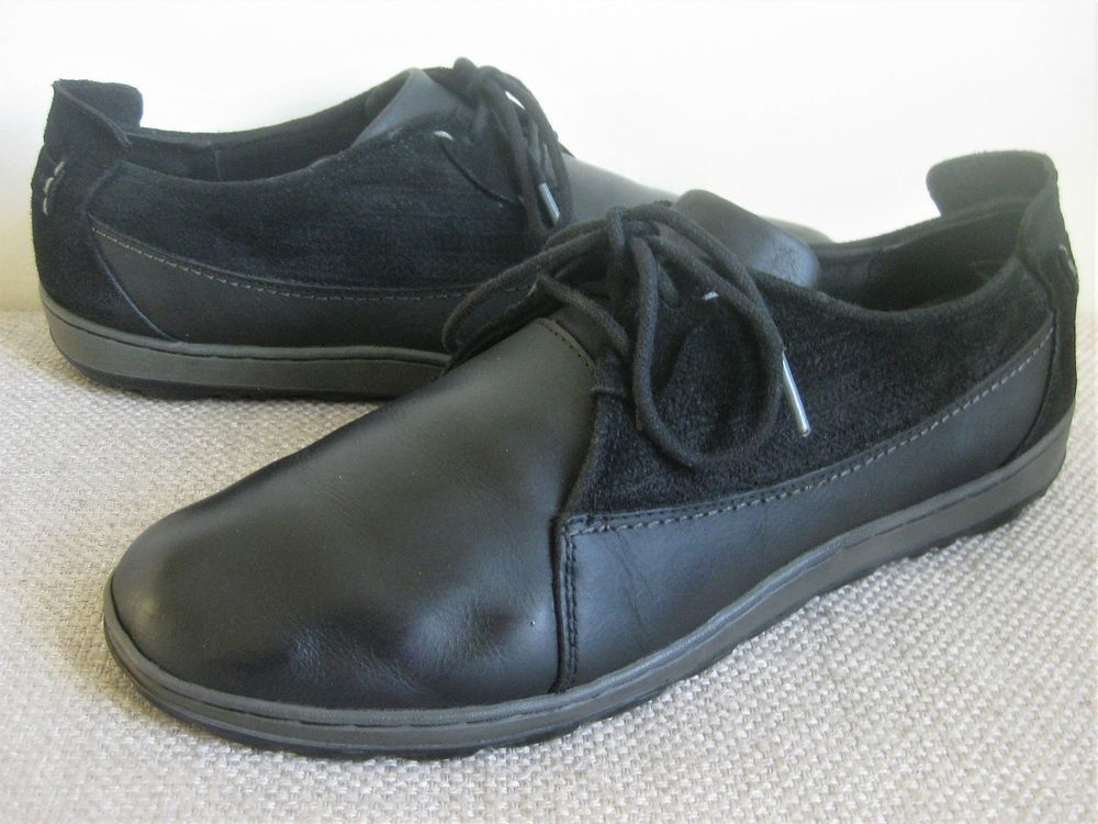 41f2ce228df0 MERRELL Women s  Ashland  Leather Suede Lace Up ~ Black ~ Size 11M ...