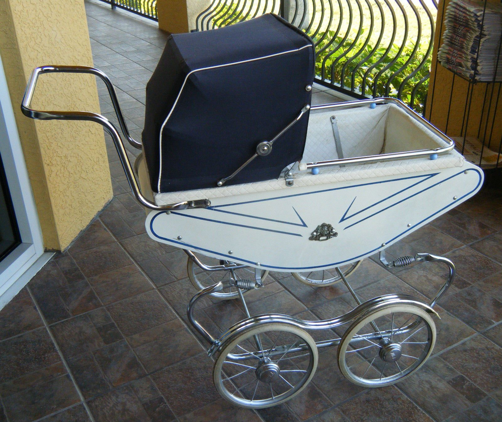 Welsh Carriage Vintage Baby 50 60 s Stroller Petite White Blue Royal Pram Buggy
