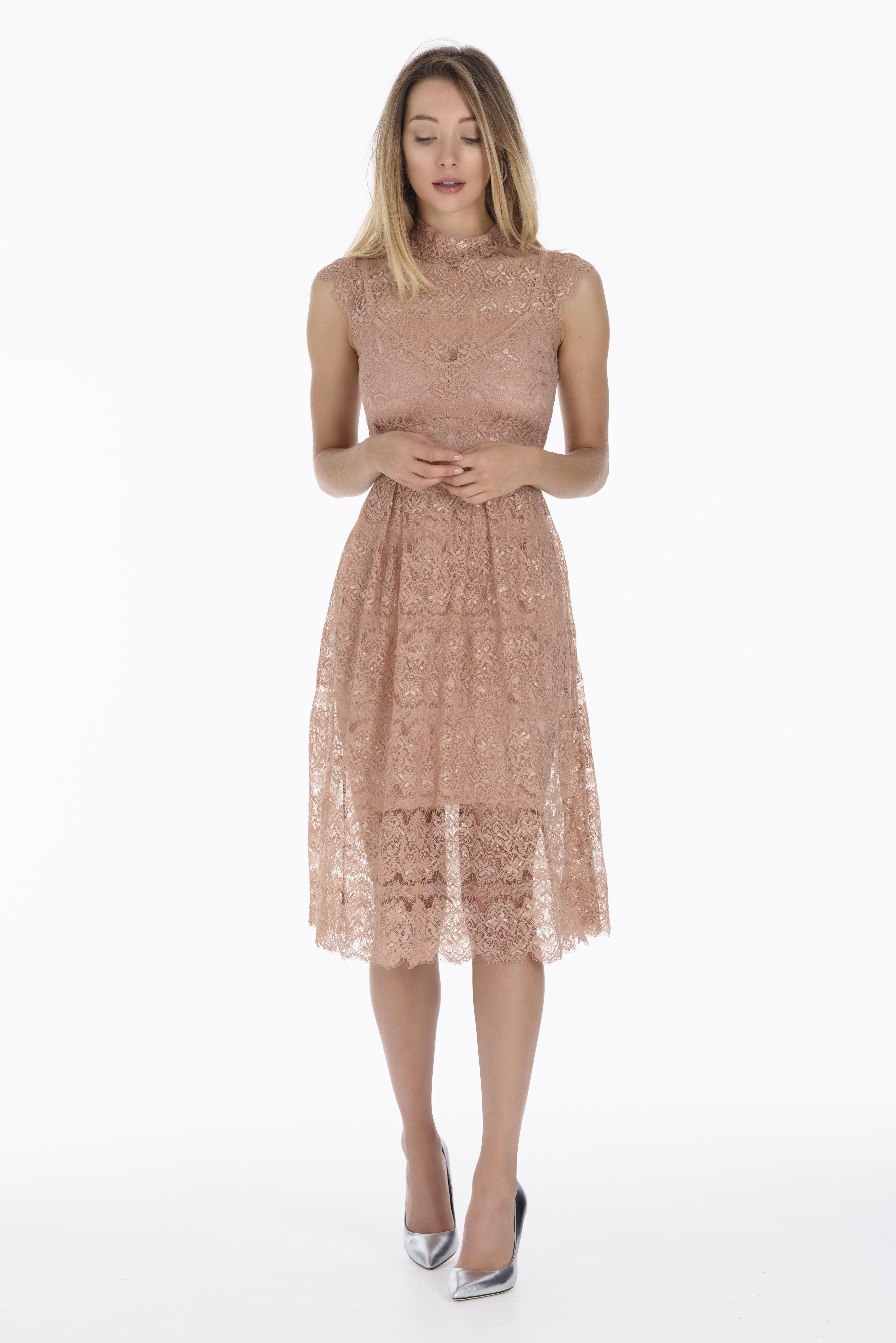 471accce96 El vestido de fiesta Peony es un hermoso vestido de encaje de filigrana