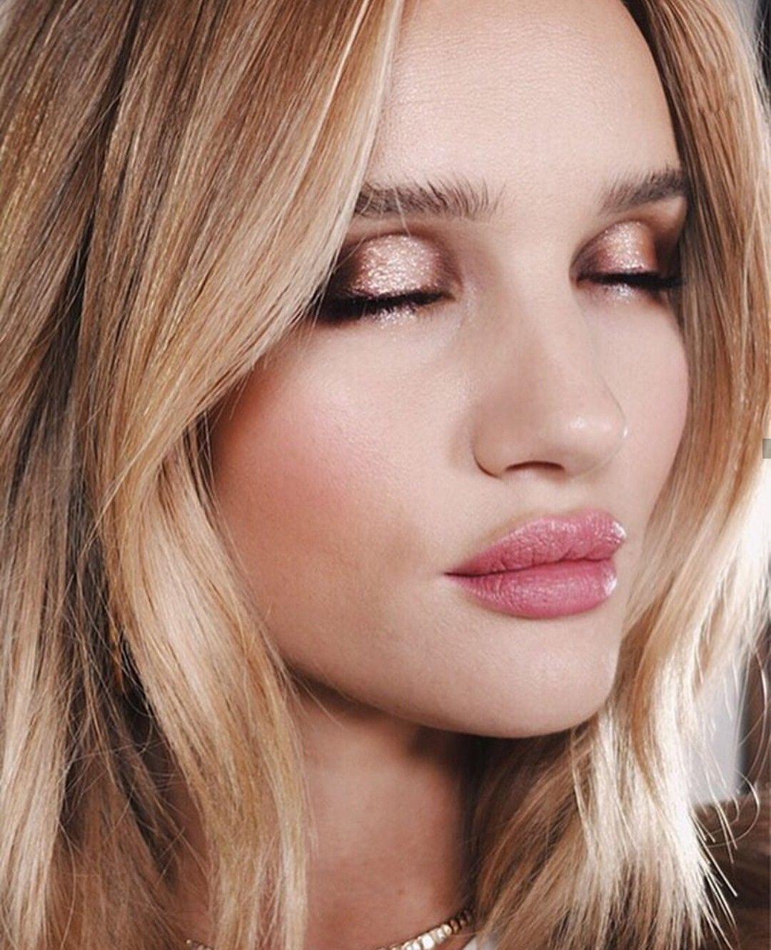 Pin by Erin Gwin on Beauty in 2019 Rosie huntington