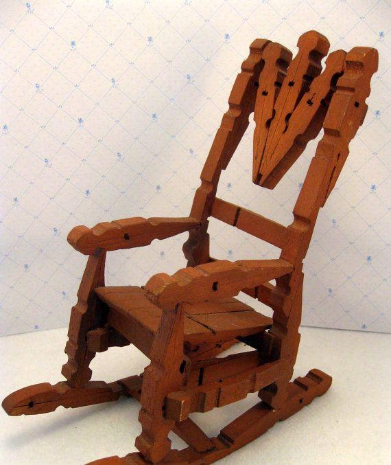 Vintage Clothespin Rocking Chair Toy Folk By Mothersminitreasures 8 00 Avec Images Mobilier De Salon Maison De Poupee Pince A Linge