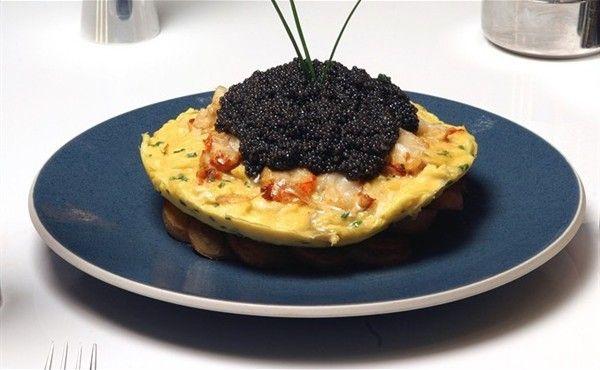 Eggs-Treme Indulgence : The Zillion Dollar Lobster Frittata | Makanan dan  minuman, Makanan, Piring