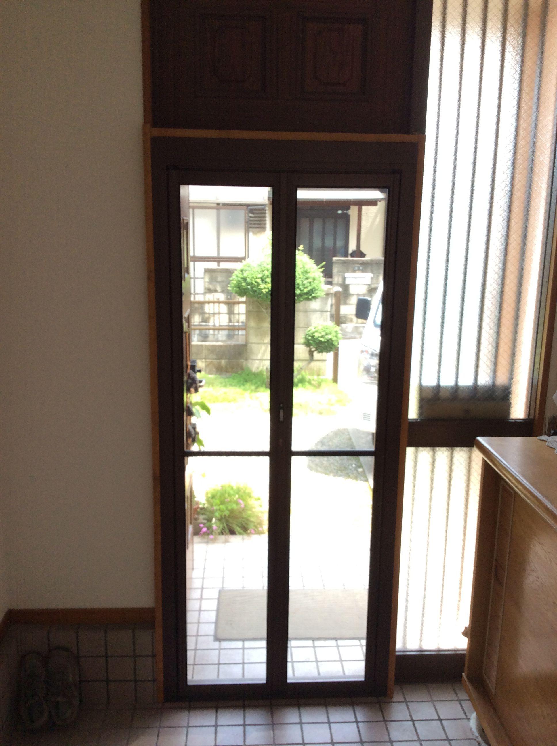 網戸を後付けして玄関も涼しく リフォームを岡山県倉敷市周辺でする