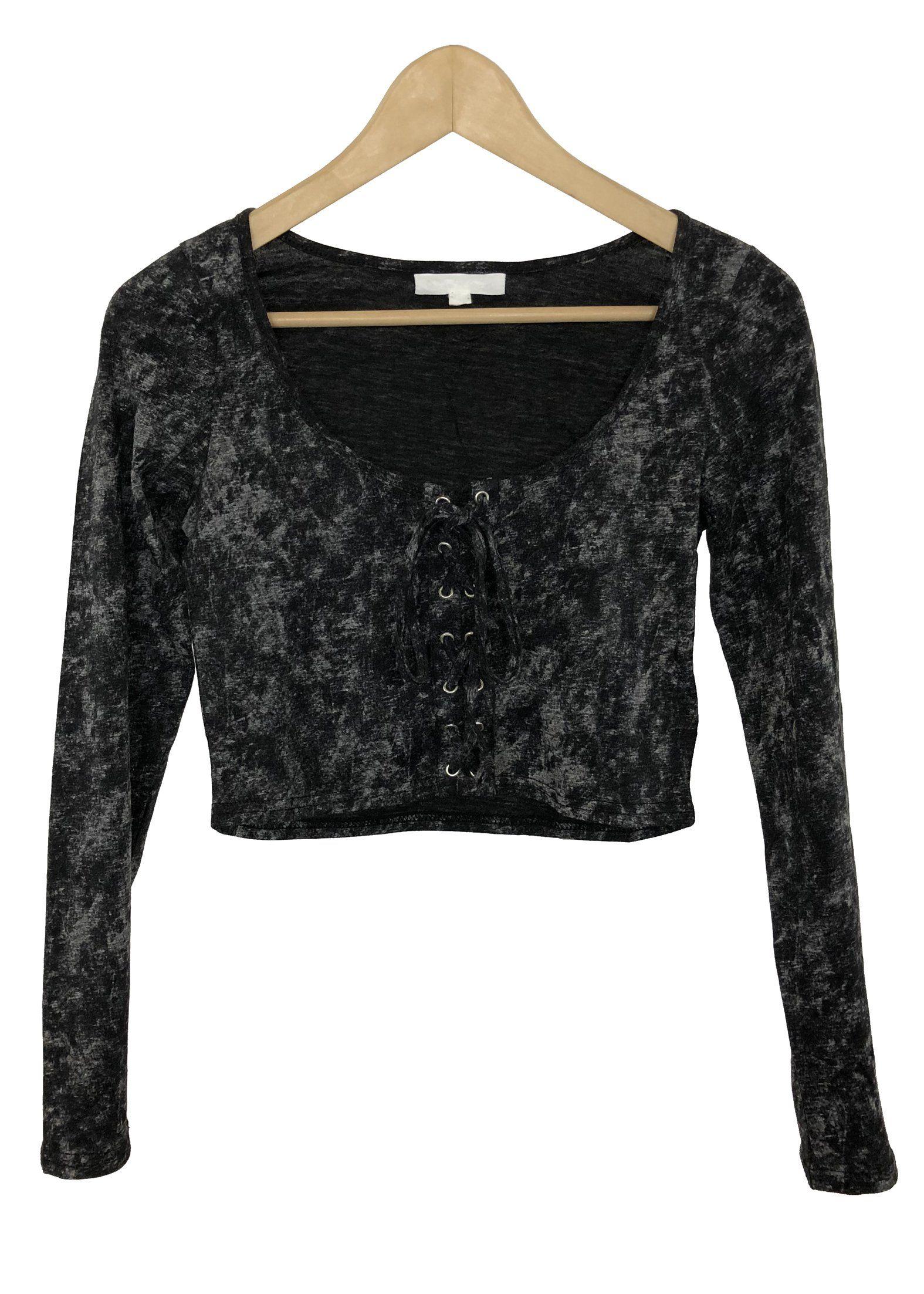 c693ba505d3b9 ... Euphoria fashion shop. - Front lace-up crop top - acid wash color -  long sleeves - 60