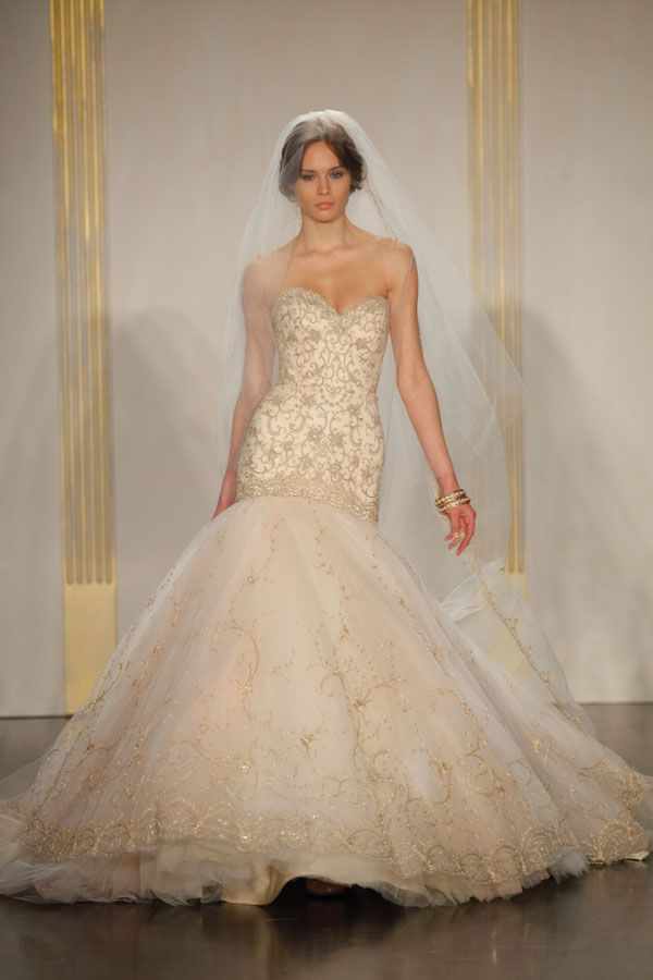 blush lazaro dress - Google Search | weddingy stuff :) | Pinterest ...