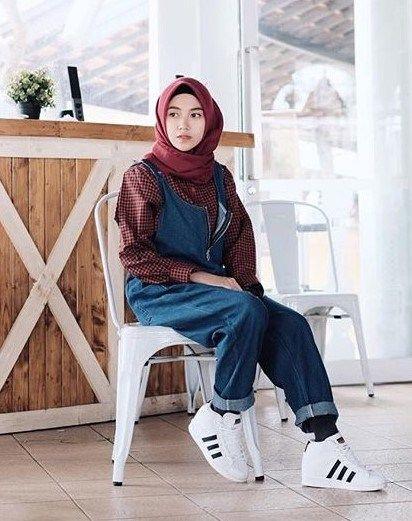 ca9aca87ff63 Koleksi Style Hijab Kekinian Simple dan Hits 2018