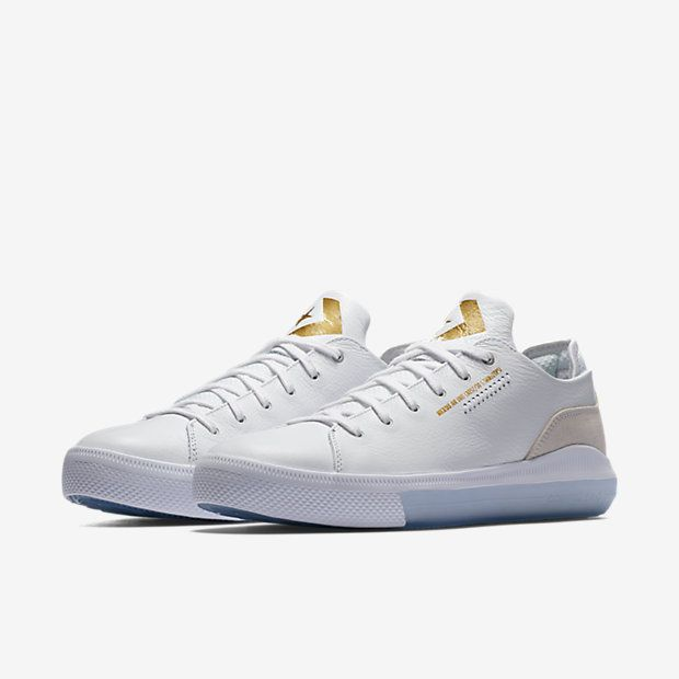 90527e6b7584 Converse Nexus x Nike Zoom Air Low Top Men s Shoe