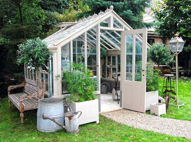 Disposer d\'un abri de jardin est très pratique, mais il peut parfois ...