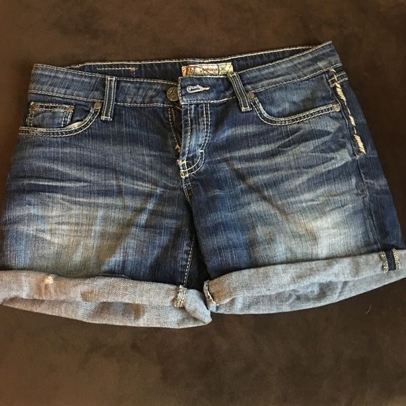 "BKE Denim Shorts Excellent condition. BKE Sabrina stretch. 7.5"" rise, 4.5"" inseam when rolled. BKE Shorts Jean Shorts"
