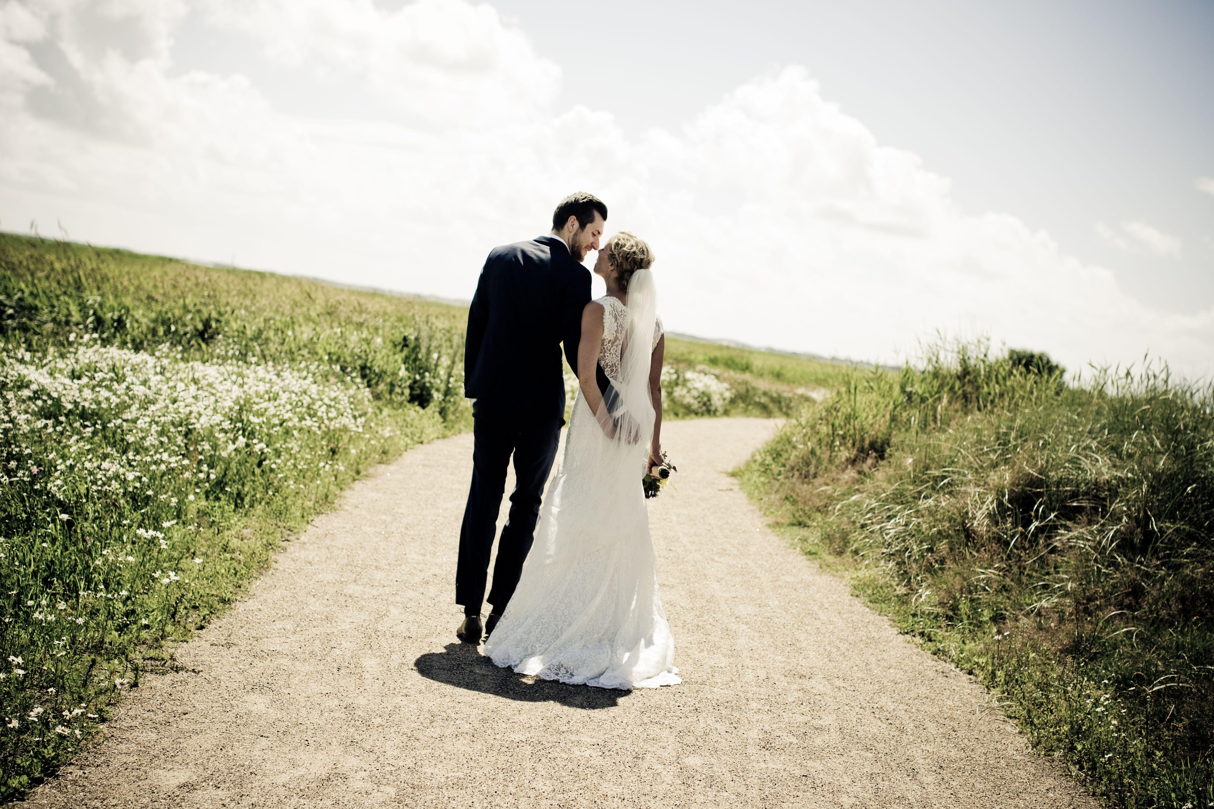 Nar Du Skal Fotografere Et Bryllup Ma Intet Ga Galt Som Bryllupsfotograf Har Du Kun En Chance For At Tage Billeder Af Brudekjole Med Blonder Fotograf Bryllup