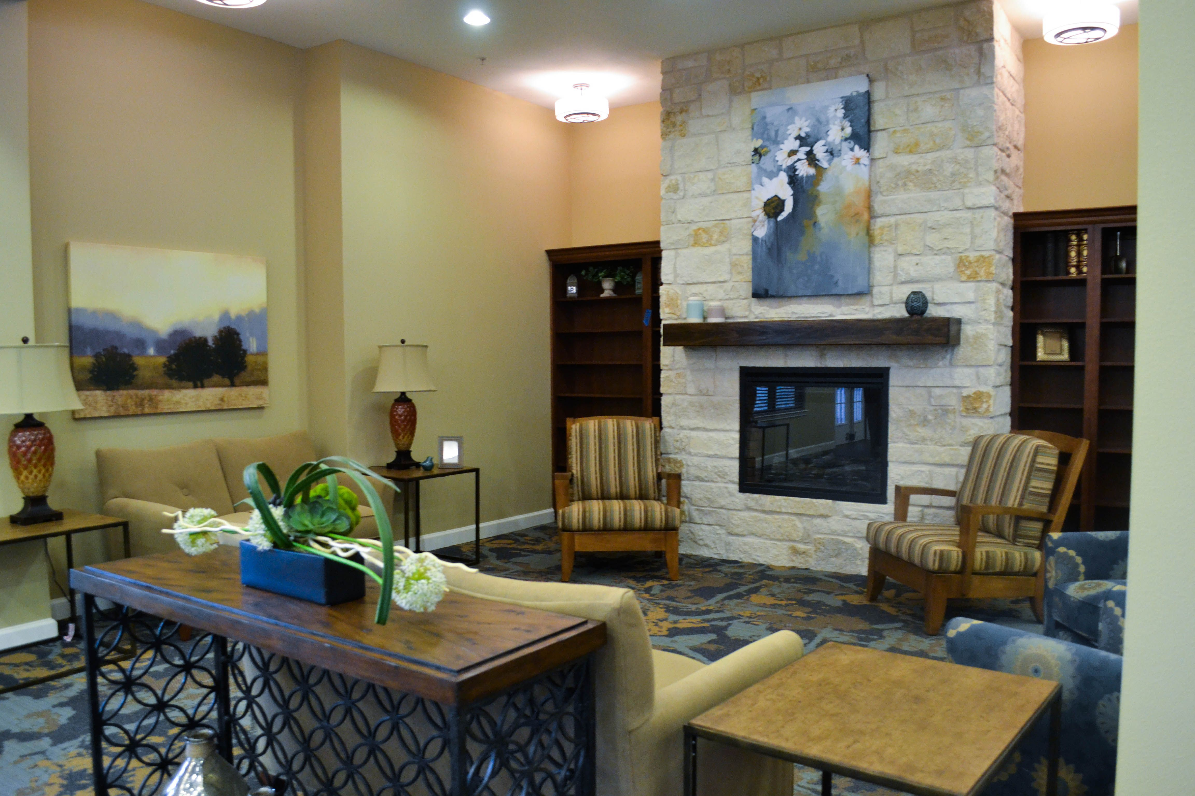 Legacy Oaks Assisted Living And Memory Care Offers Planned Events Ongoing Activities And Scheduled Private Dining Room Senior Living Senior Living Communities