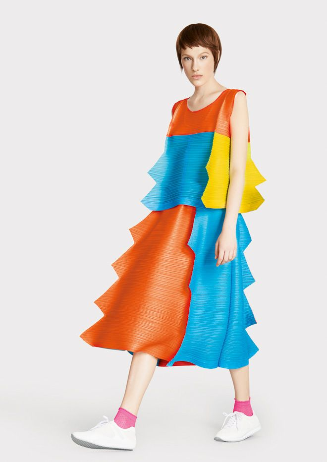 Pleats please issey miyake 2015 spring summer v tements for 120 pouces rideaux ikea