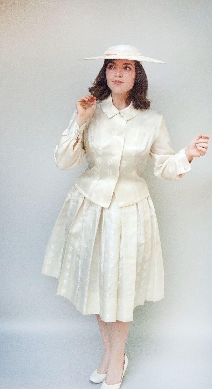 Jahrgang 1950 s Kleid Dovima weiße Seide von WildHoneyPieVintage ...