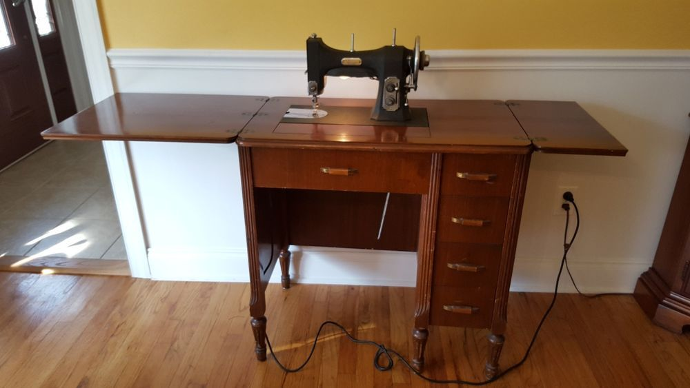 WORKING VINTAGE 40's WHITE ROTARY SERIES 40 SEWING MACHINE PLUS Simple White Sewing Machine Model 77