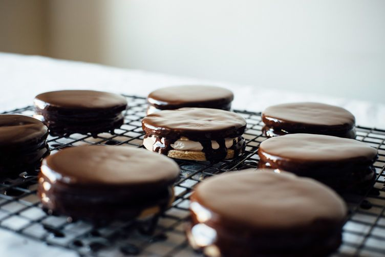 How to Make Moon Pies at Home