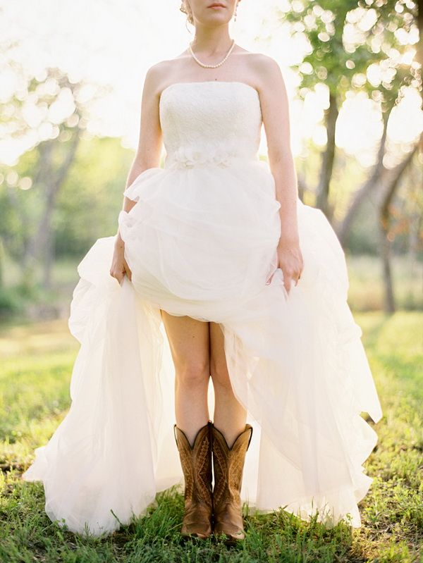 Bridal Inspiration Country Style Wedding Dresses