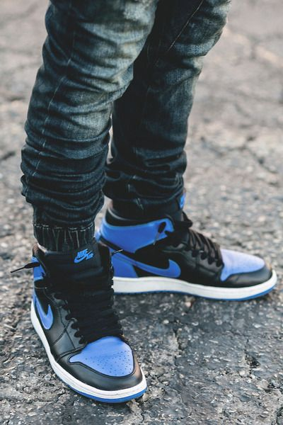 c9f9bc39a62 Air Jordan 1, get a 19 point step-by-step guide on spotting fakes on ...