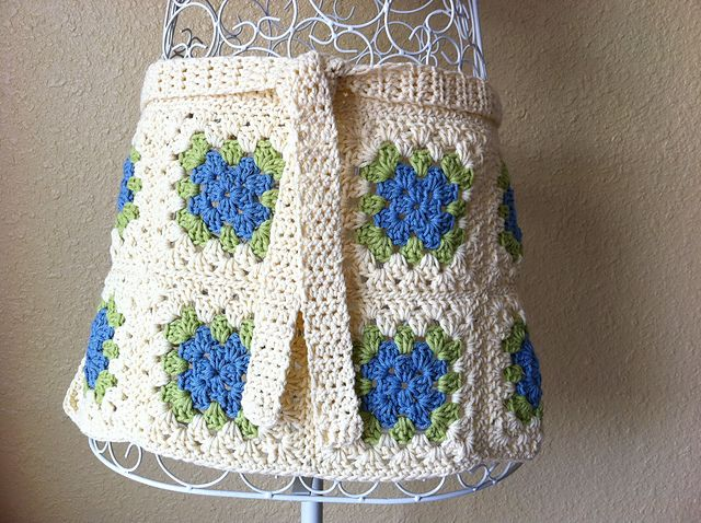 Crochet Granny Square Apron... So Cute Hope to make! Great for gifts ...