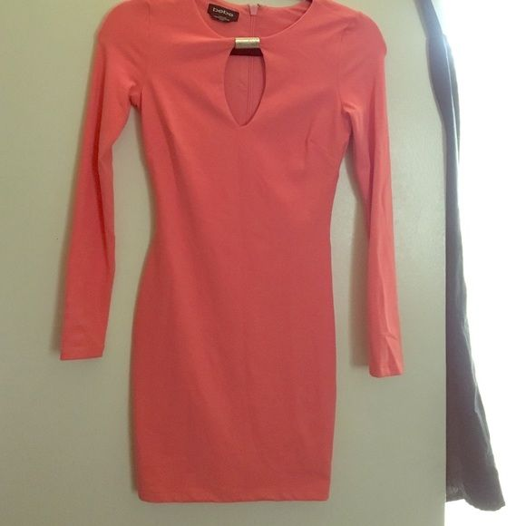 XXS Dress bebe big discount 💰💰💰 Salmon light pink - no treading. bebe Dresses Long Sleeve