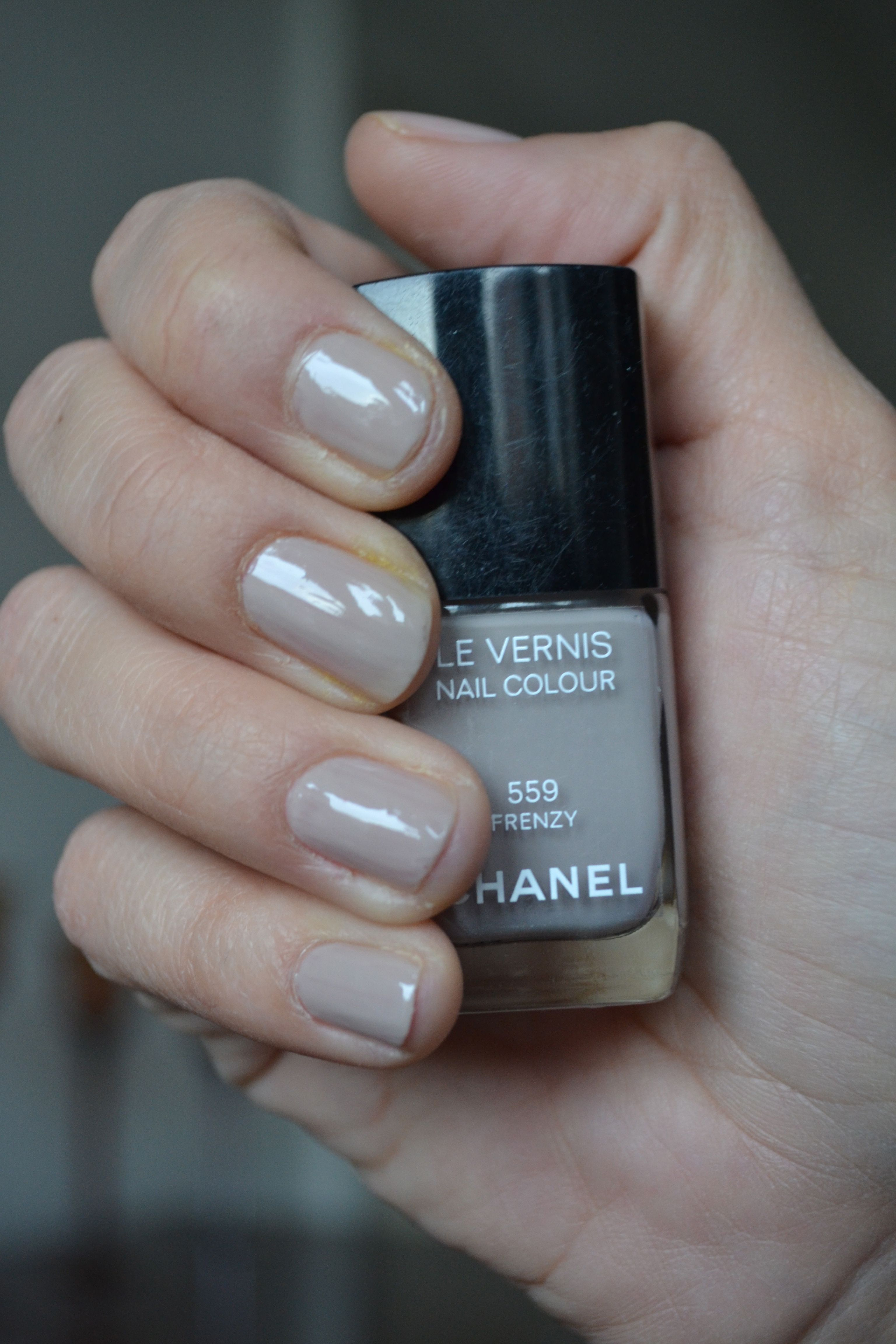 10 Best Chanel Nail Polishes Reviews 2019 Update Chanel Nail Polish Chanel Nails Grey