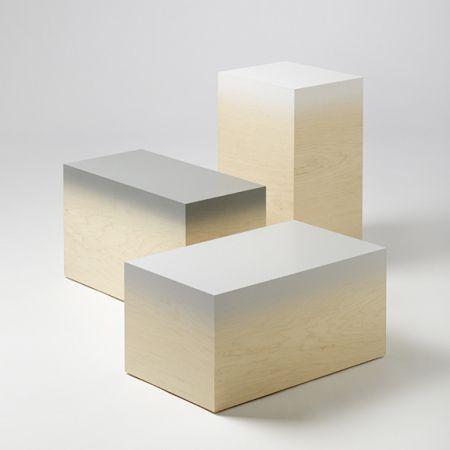 les cubes en bois laqués de Judith Seng