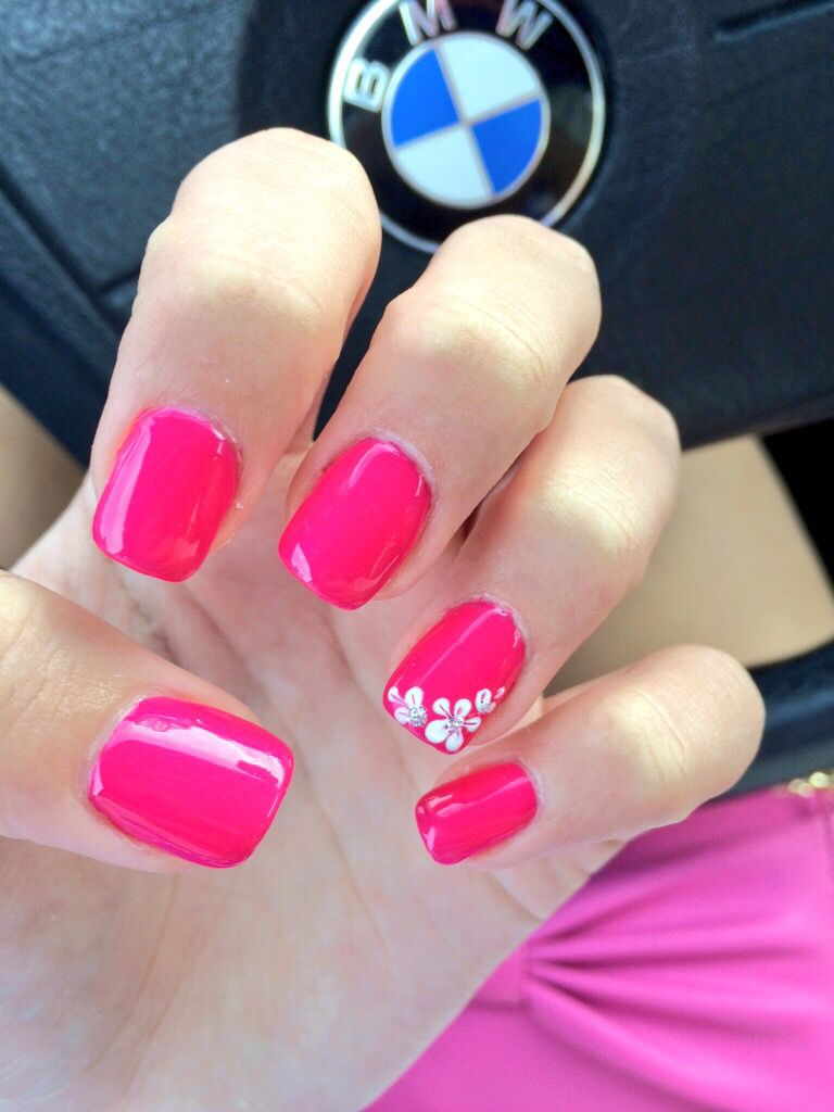 Simple Pink Spring Acrylic Nails With A Flower Design Spring Acrylic Nails Bright Pink Nails Flower Toe Nails