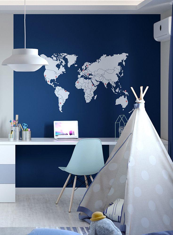 Kinderzimmergestaltung Fur Jungs In Blau Und Toller Weltkarten Tapete Kinderzimmergestaltung Kinder Tapete Kinder Zimmer