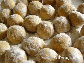 Sotong Cooks - Cooking it my way!: Kuih Makmur @ Momo