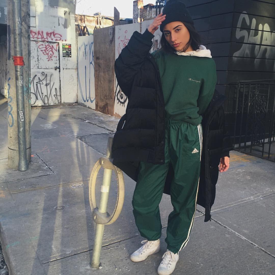 hot sale online ae9bf aedb0 Dope Outfits, Skolkläder, Vinterkläder, Lediga Kläder, Dammode, Svettbyxor  Outfit, 1990s
