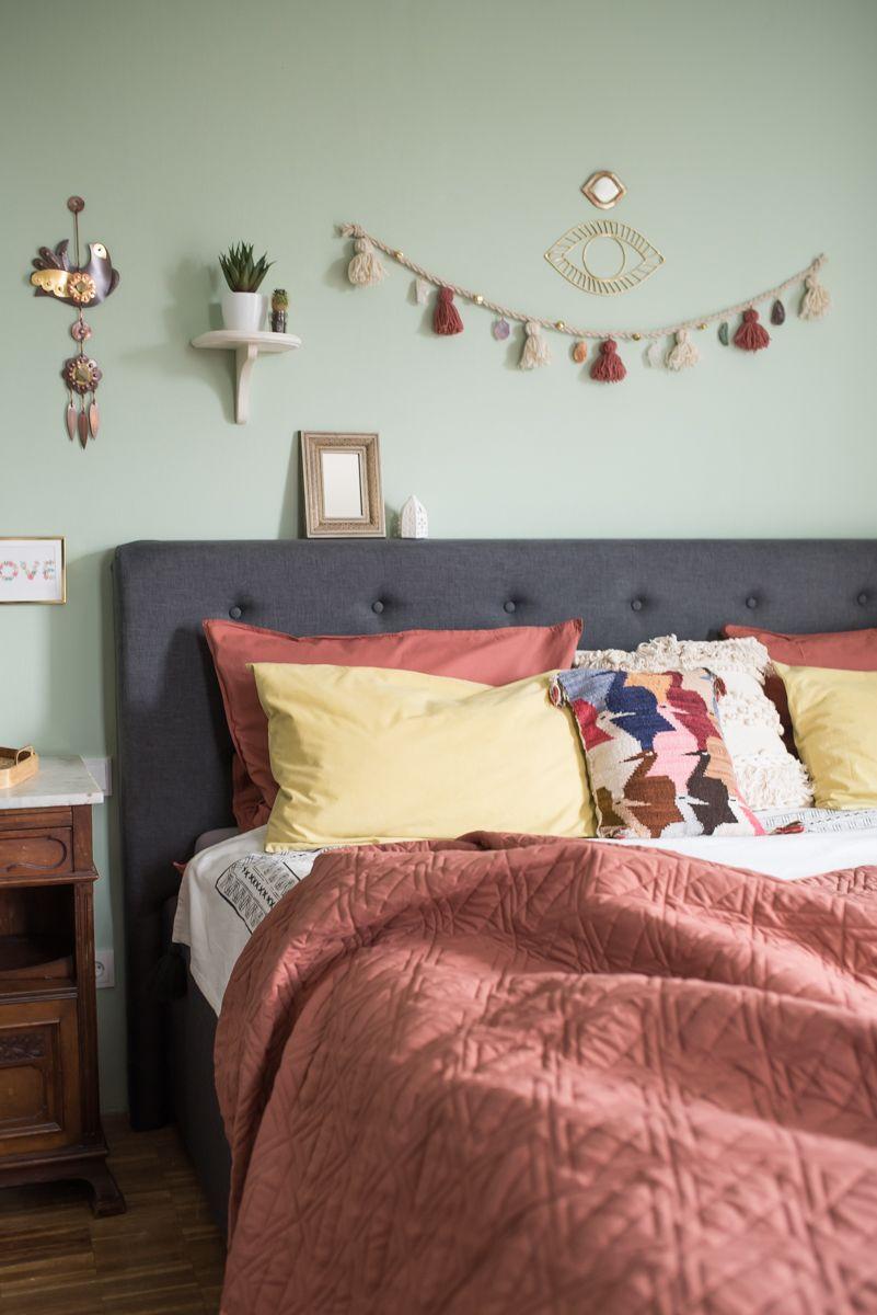 Wunderbar DIY   Selbstgemachte Wanddeko Girlande Im Boho Look Mit Quasten Aus Wolle  Und Eingefassten Halbedelsteinen Als Deko Für Das Schlafzimmer
