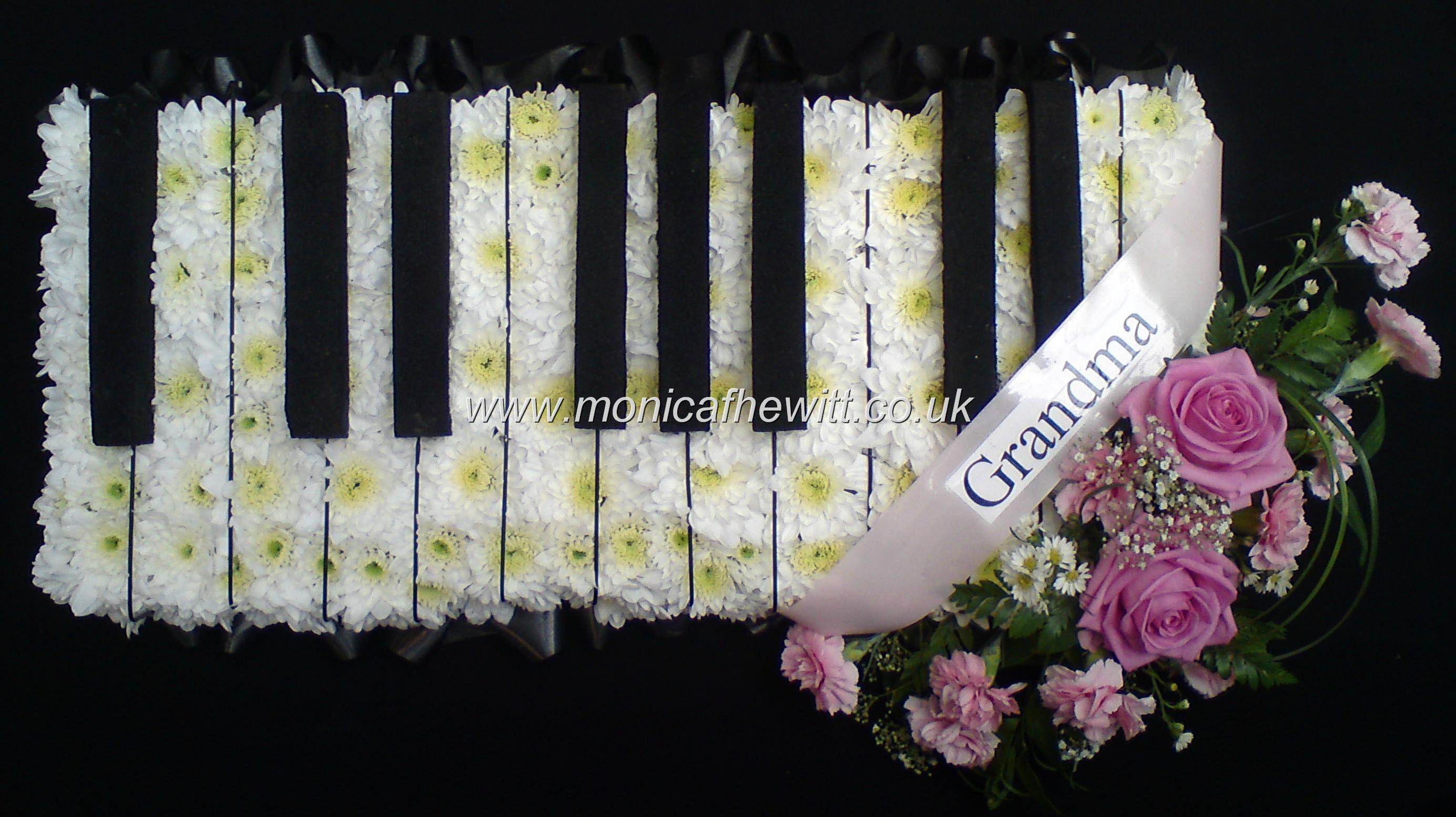 Piano Octave Funeral Flowers Monica F Hewitt Florist Sheffield