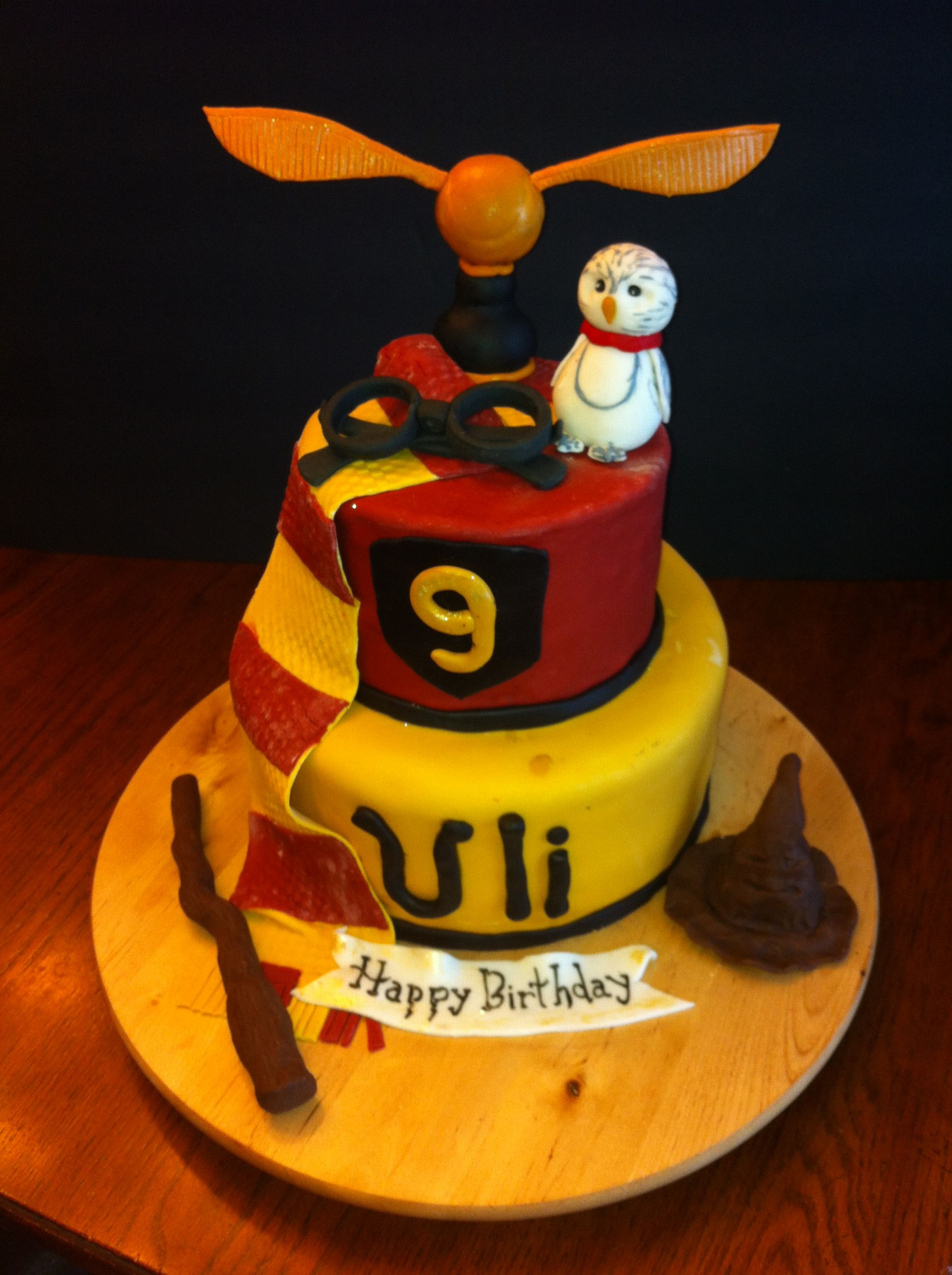 I saw a harry potter cake on Cake Central and loved it